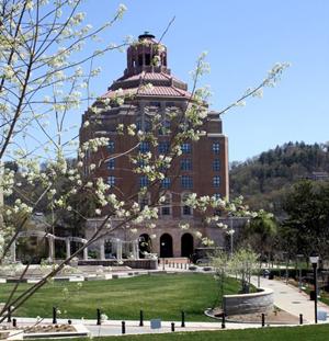 Thomas Wolfe Auditorium - Photo of Thomas Wolfe Auditorium